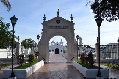 http://www.funerariadeguardia.com/almacen/noticias/img_cementerio.jpg