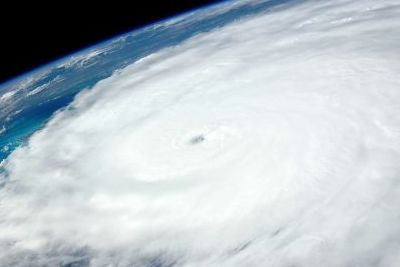 http://www.funerariadeguardia.com/almacen/noticias/img_hurricane10496121280.jpg