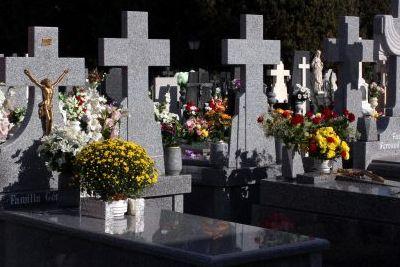 http://www.funerariadeguardia.com/almacen/noticias/img_n56_funeraria_de_guardia_tanatorio_entierro.jpg